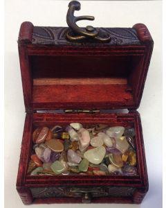 Skattekiste med små krystaller